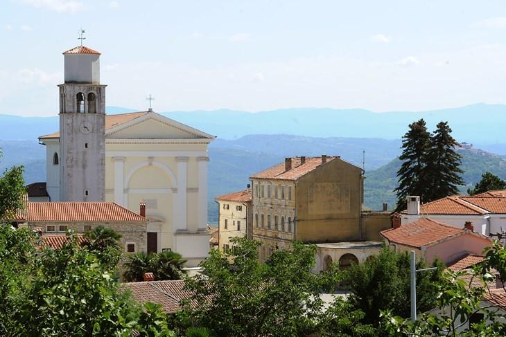 Općina se dugoročno zadužila u iznosu od 9,6 milijuna kuna: GRADNJA VRTIĆA SREZALA PRORAČUN ZA DVA MILIJUNA KUNA