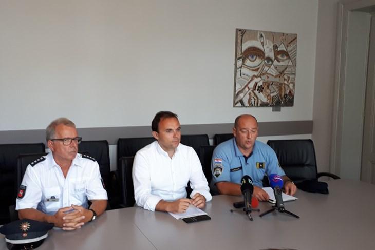 MUP ov PROJEKT U Poreču na radu i njemački policijski službenik