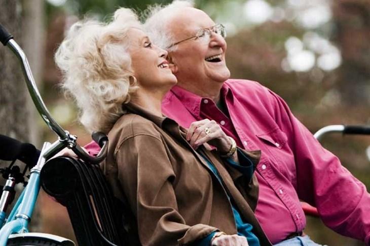 Čitaonica kluba umirovljenika: PREDAVANJE O LJUBAVI