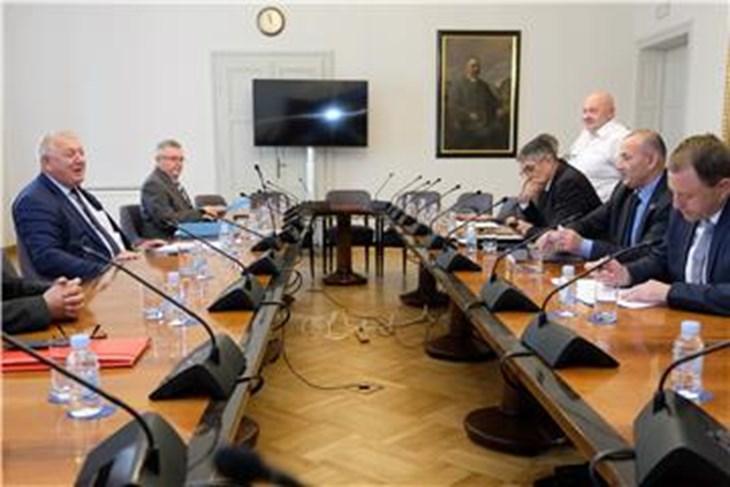Politika ZAGREB Odbor za veterane povukao sve amandmane na zakon o blagdanima
