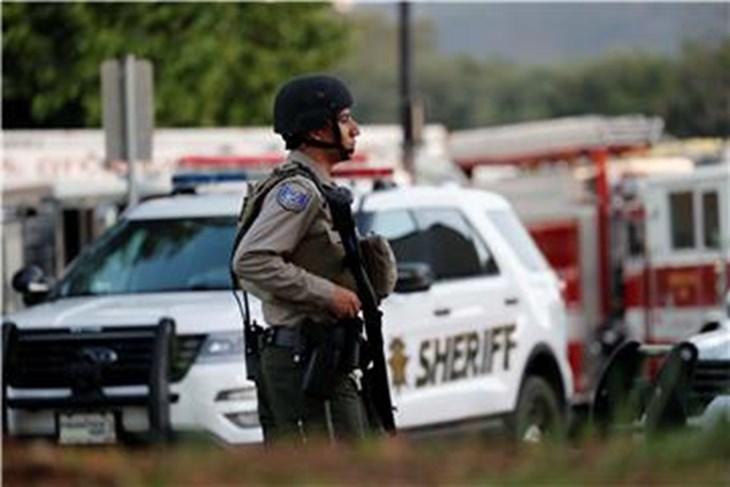 Pucnjava u kalifornijskoj srednjoj školi, policija traga za počiniteljem