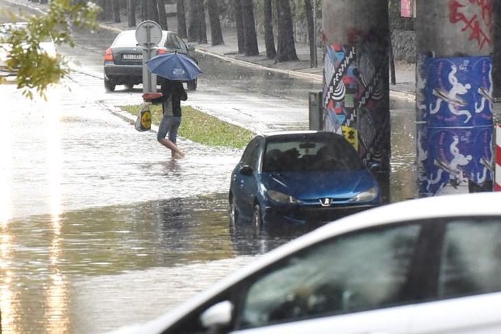 1 h potop u rijeci obilna kiša ponovo izazvala poplavu na podvožnjaku kod 3. maja