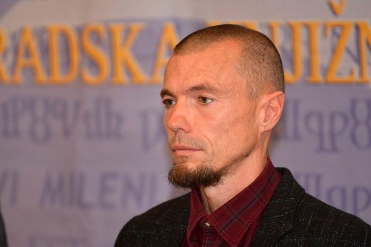 Elvir Tominić (D. MEMEDOVIĆ)