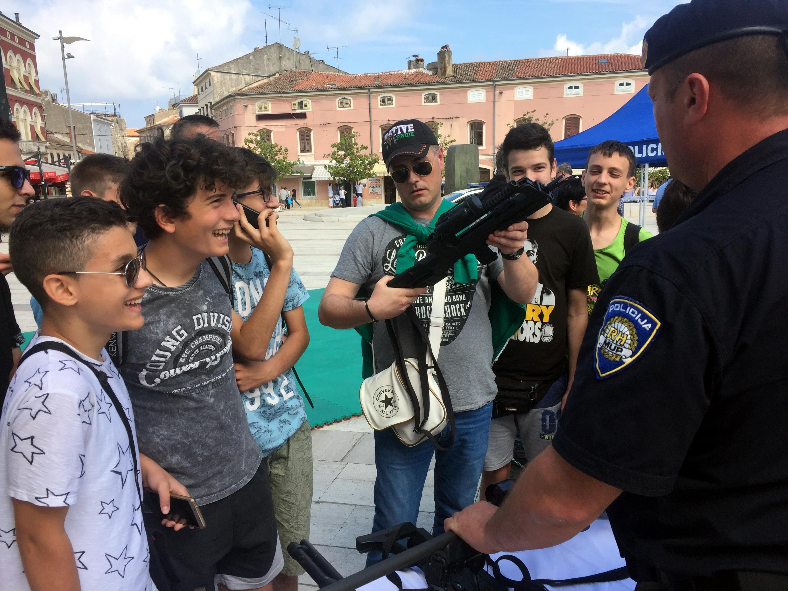 upoznavanje policajaca
